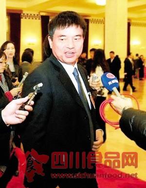 全国政协委员刘永好:加强食品安全控制能力