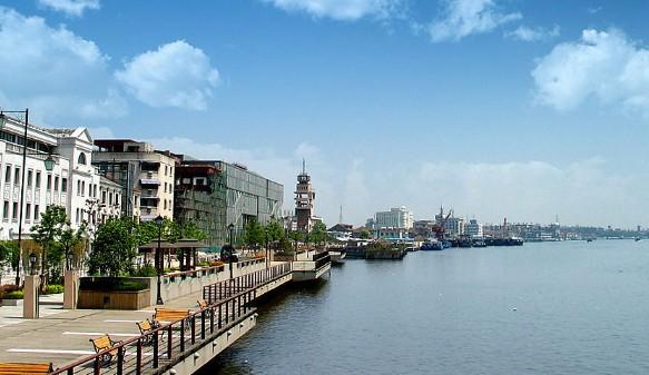 外滩是上海地标和著名风景区,如今众多景点常见的高