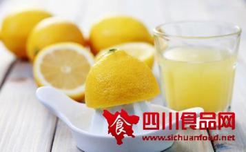 柠檬片泡水的功效和泡法有哪些